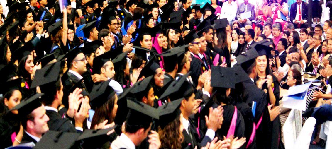 Tous les ans le pays voit la naissance de centaines de gradués dans de nombreux domaines.