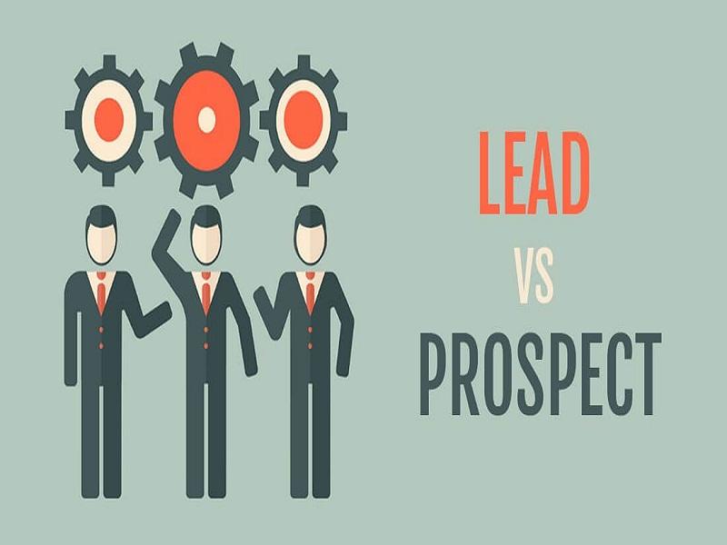 Dans le secteur du BtoB, lead et prospect sont des clients à en devenir. La différence, c'est que l'un sollicite et l'autre est sollicité !