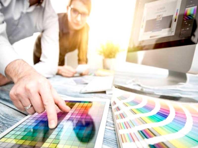 Grâce à l' infographie, c'est possible pour une société d'attirer des leads en transformant des offres complexes en des visuels simples et faciles à comprendre.