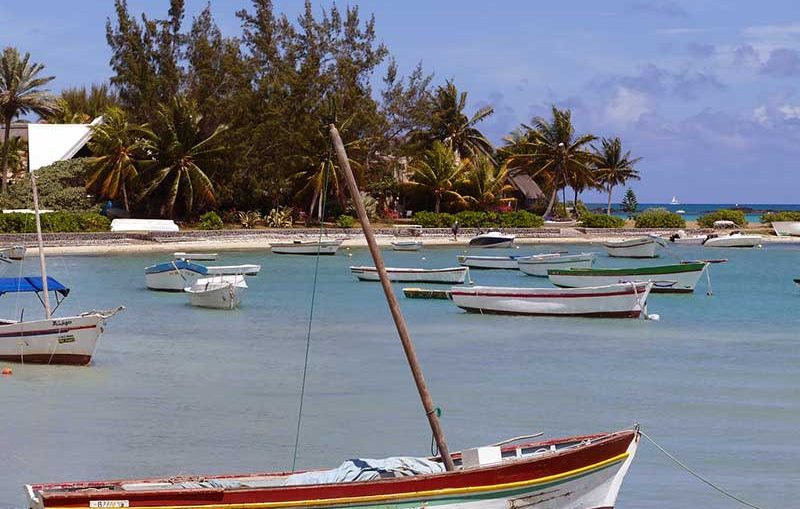 Organiser un voyage d'affaires à l'île Maurice est une vraie partie de plaisir. Il y a tellement de belles choses à découvrir et d'opportunités de business que vous ferez d'une pierre deux coups !
