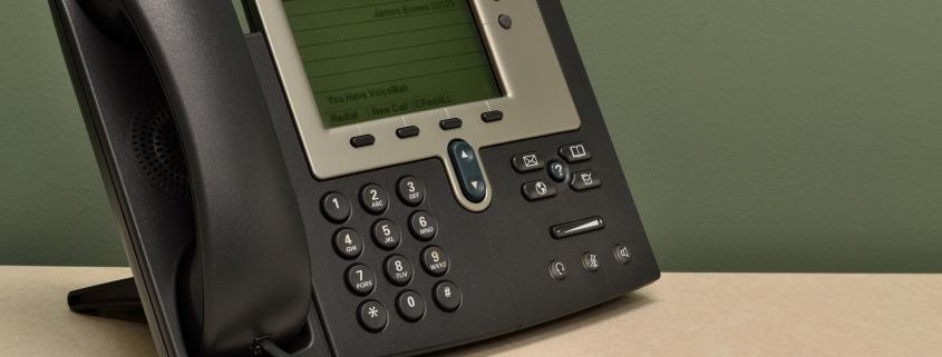 Un centre d'appels peut recourir au couplage téléphonie informatique afin d'améliorer le service client, optimiser sa relation client et booster sa productivité