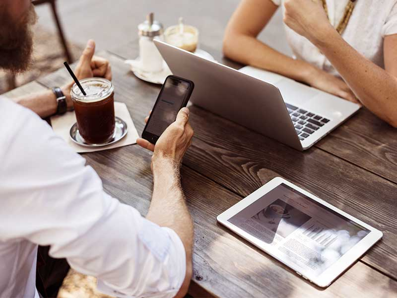 Il est compliqué de trouver Le prestataire idéal d'externalisation. Cet article vous montres les facteurs à considérer lorsque vous faites appel à un prestataire.