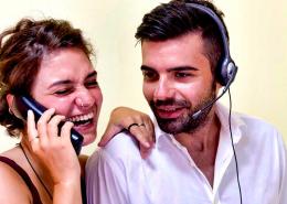 Selon Varnelis, l'I.A freine une bonne entente au sein des acteurs de la relation client. De ce fait, opter pour l'humanisation de celle-ci est une meilleure option.