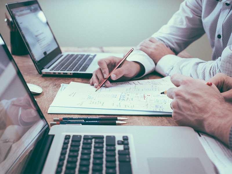La sous traitance du back office deviant de plus en plus courrant parmi les entreprises. Découvrez les divers avantages de la sous traitance dans cet article.