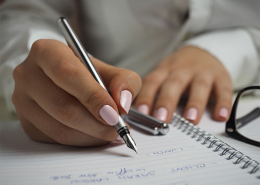 Un script adapté pour la période de la COVID-19 permettra aux téléopérateurs de donner des éclaircissements aux clients dans le doute ou en quête de réponses.