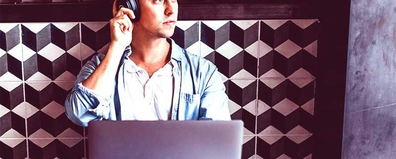 La Covid-19 a forcé nombre d'entreprises a opter pour le télétravail. Pour beaucoup cela s'avère être bénéfique tandis que pour d'autre dû à une mauvaise communication, d'autres entreprises font des échecs. Voici quelques astuces pour rebondir.